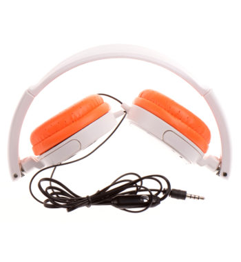 Ematic Laptop Kit with Headphones, Sleeve, and Mouse